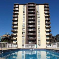 Отель Pelican Suites At Burnaby Канада, Бурнаби - отзывы, цены и фото номеров - забронировать отель Pelican Suites At Burnaby онлайн бассейн