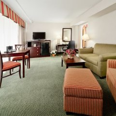 Отель Holiday Inn Rosslyn At Key Bridge комната для гостей фото 3