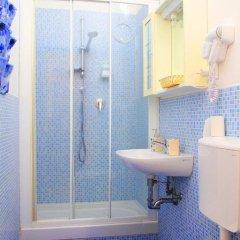 Отель Central Beds Италия, Флоренция - отзывы, цены и фото номеров - забронировать отель Central Beds онлайн ванная фото 2