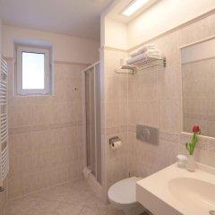 Отель Penzion Fan Чехия, Карловы Вары - 1 отзыв об отеле, цены и фото номеров - забронировать отель Penzion Fan онлайн ванная