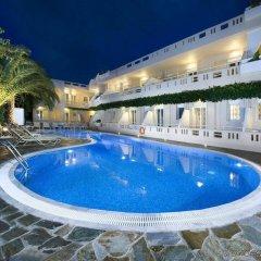 Axos Hotel бассейн