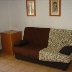 Отель Apartaments Lloveras Испания, Льорет-де-Мар - отзывы, цены и фото номеров - забронировать отель Apartaments Lloveras онлайн комната для гостей фото 4