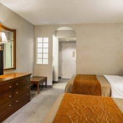 Отель Rodeway Inn And Suites On The River Чероки удобства в номере