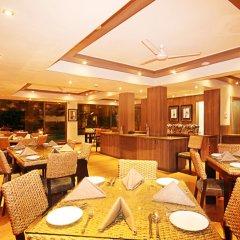 Отель Sandalwood Hotel & Retreat Индия, Гоа - отзывы, цены и фото номеров - забронировать отель Sandalwood Hotel & Retreat онлайн питание фото 2