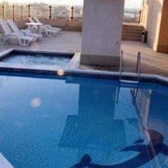Dolphin Hotel Apartments бассейн фото 3