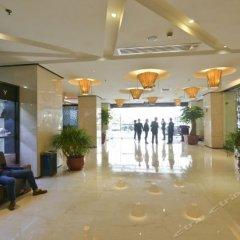 Отель Golden Four Seasons Hotel Китай, Сямынь - отзывы, цены и фото номеров - забронировать отель Golden Four Seasons Hotel онлайн интерьер отеля фото 2