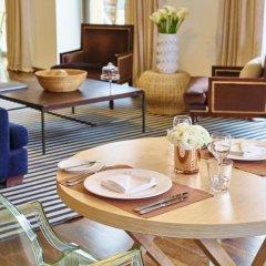 Отель Vouliagmeni Suites питание фото 3