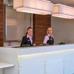 Отель Hampton by Hilton Luton Airport интерьер отеля