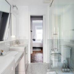 Отель 6 Bedroom Townhome Minutes from NYC США, Джерси - отзывы, цены и фото номеров - забронировать отель 6 Bedroom Townhome Minutes from NYC онлайн ванная