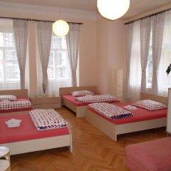 Апартаменты Apartments Tynska 7 Прага комната для гостей фото 5