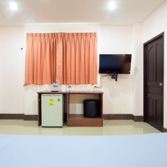 Отель Baan Sutra Guesthouse Пхукет удобства в номере