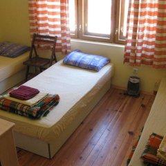 Hostel Mostel Велико Тырново комната для гостей