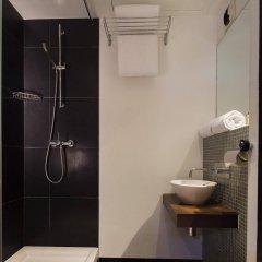 Отель Maxim Quartier Latin Франция, Париж - 1 отзыв об отеле, цены и фото номеров - забронировать отель Maxim Quartier Latin онлайн ванная фото 2