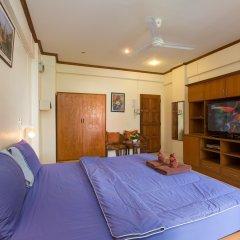 Апартаменты Patong Studio Apartments комната для гостей фото 4