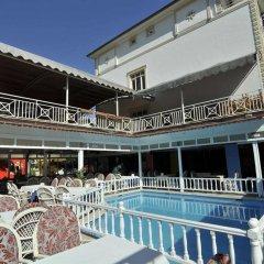 Sun Kiss Hotel бассейн