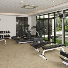 Отель Holiday Inn Shifu Гуанчжоу фитнесс-зал