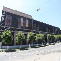 Отель Plaza Viktoria Армения, Гюмри - отзывы, цены и фото номеров - забронировать отель Plaza Viktoria онлайн парковка