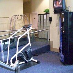 Отель Rosedale Condominiums Канада, Ванкувер - отзывы, цены и фото номеров - забронировать отель Rosedale Condominiums онлайн спортивное сооружение