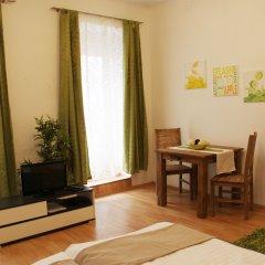 Апартаменты Checkvienna – Apartment Dieselgasse Вена комната для гостей фото 2