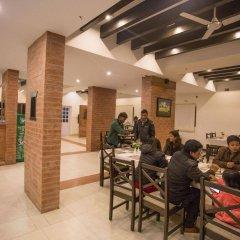 Отель Ananda Inn Непал, Лумбини - отзывы, цены и фото номеров - забронировать отель Ananda Inn онлайн интерьер отеля фото 3