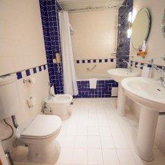 Гостиница Амбассадор 4* Стандартный номер с двуспальной кроватью фото 18