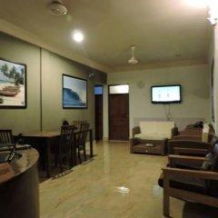 Отель Batuta Maldives Surf View Guest House Мальдивы, Северный атолл Мале - отзывы, цены и фото номеров - забронировать отель Batuta Maldives Surf View Guest House онлайн интерьер отеля