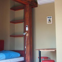 7x24 Central Hostel Будапешт сейф в номере