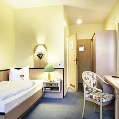 Hotel Hannover Airport by Premiere Classe сейф в номере