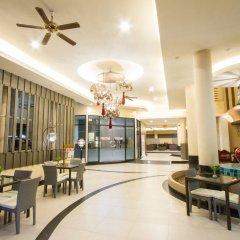 Отель Eastiny Place Паттайя гостиничный бар