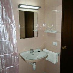 Отель Apartamentos Mestret Испания, Сан-Антони-де-Портмань - отзывы, цены и фото номеров - забронировать отель Apartamentos Mestret онлайн ванная фото 2