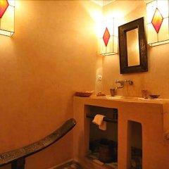 Отель Riad Darmouassine Марокко, Марракеш - отзывы, цены и фото номеров - забронировать отель Riad Darmouassine онлайн ванная