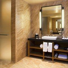 Отель JW Marriott Los Cabos Beach Resort & Spa сейф в номере