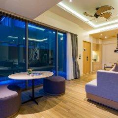 Отель Crest Resort & Pool Villas интерьер отеля фото 2