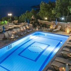 Отель Fiorella Sea View бассейн