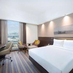Отель Hampton by Hilton Dubai Airport комната для гостей