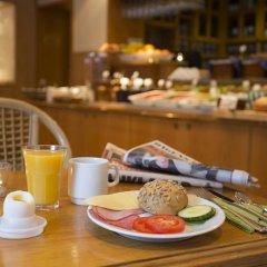 Отель Crystal Plaza Hotel Швеция, Стокгольм - 13 отзывов об отеле, цены и фото номеров - забронировать отель Crystal Plaza Hotel онлайн питание фото 2