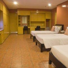 Отель Nichols Airport Hotel Филиппины, Паранак - отзывы, цены и фото номеров - забронировать отель Nichols Airport Hotel онлайн сауна