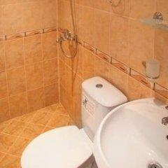 Отель Family Hotel St. Konstantin Болгария, Ардино - отзывы, цены и фото номеров - забронировать отель Family Hotel St. Konstantin онлайн ванная