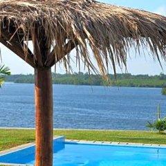 Отель Kalla Bongo Lake Resort Шри-Ланка, Хиккадува - отзывы, цены и фото номеров - забронировать отель Kalla Bongo Lake Resort онлайн бассейн фото 3