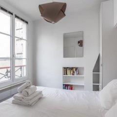 Апартаменты Le Marais - Place des Vosges Apartment комната для гостей фото 2
