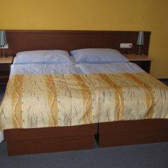 Отель Aparthotel Austria Suites комната для гостей фото 3