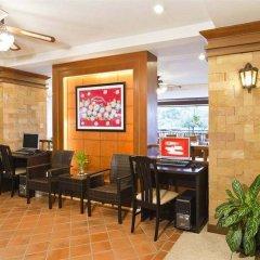 Отель Jiraporn Hill Resort интерьер отеля