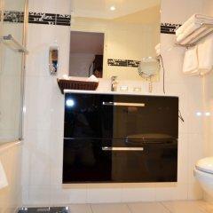 Отель Regina Франция, Париж - отзывы, цены и фото номеров - забронировать отель Regina онлайн ванная фото 2