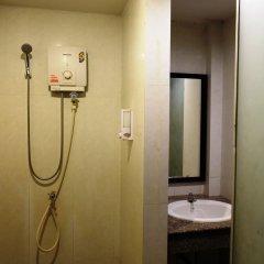 Отель Everest Boutique 8 Inn Бангкок ванная
