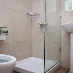 Zorbas Hotel Афины ванная