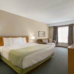 Отель Colonial Square Inn & Suites комната для гостей фото 5