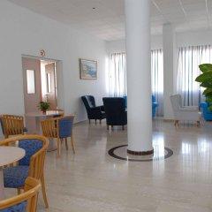 Отель Maistros Hotel Apartments Кипр, Протарас - отзывы, цены и фото номеров - забронировать отель Maistros Hotel Apartments онлайн интерьер отеля