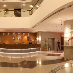 Avari Dubai Hotel интерьер отеля