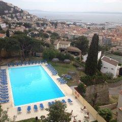 Отель Grecs Испания, Курорт Росес - отзывы, цены и фото номеров - забронировать отель Grecs онлайн бассейн фото 3