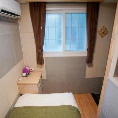 Отель D.H Sinchon Guesthouse Южная Корея, Сеул - отзывы, цены и фото номеров - забронировать отель D.H Sinchon Guesthouse онлайн комната для гостей фото 2